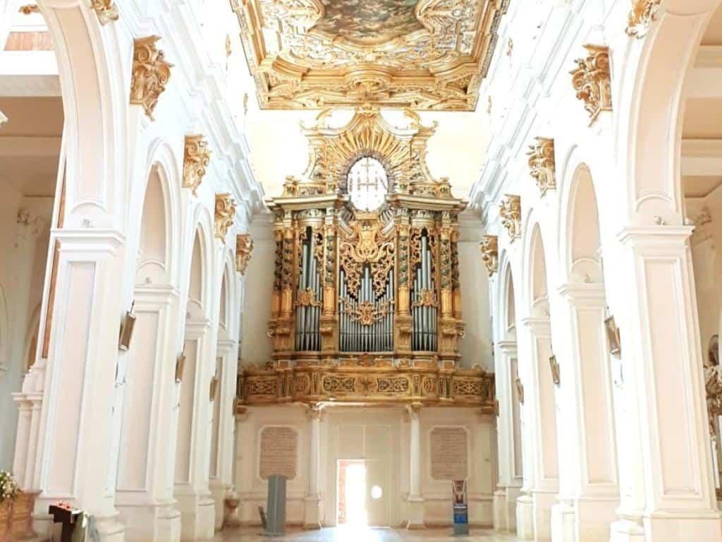 basilica of san bernadino in l'aquila von innen