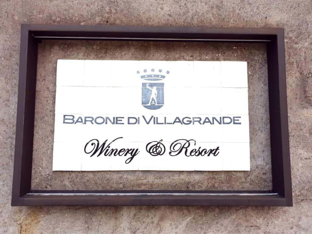 eingangsschild weingut barone villa grande aetna