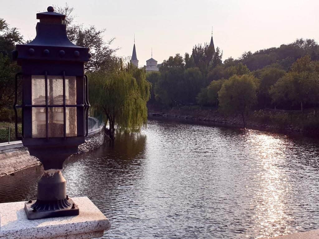 schwanenteich am weingut chateau changyu afip in peking