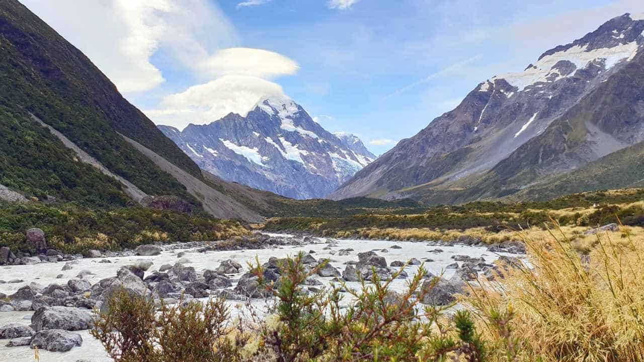 wine travelling am mount cook in neuseeland